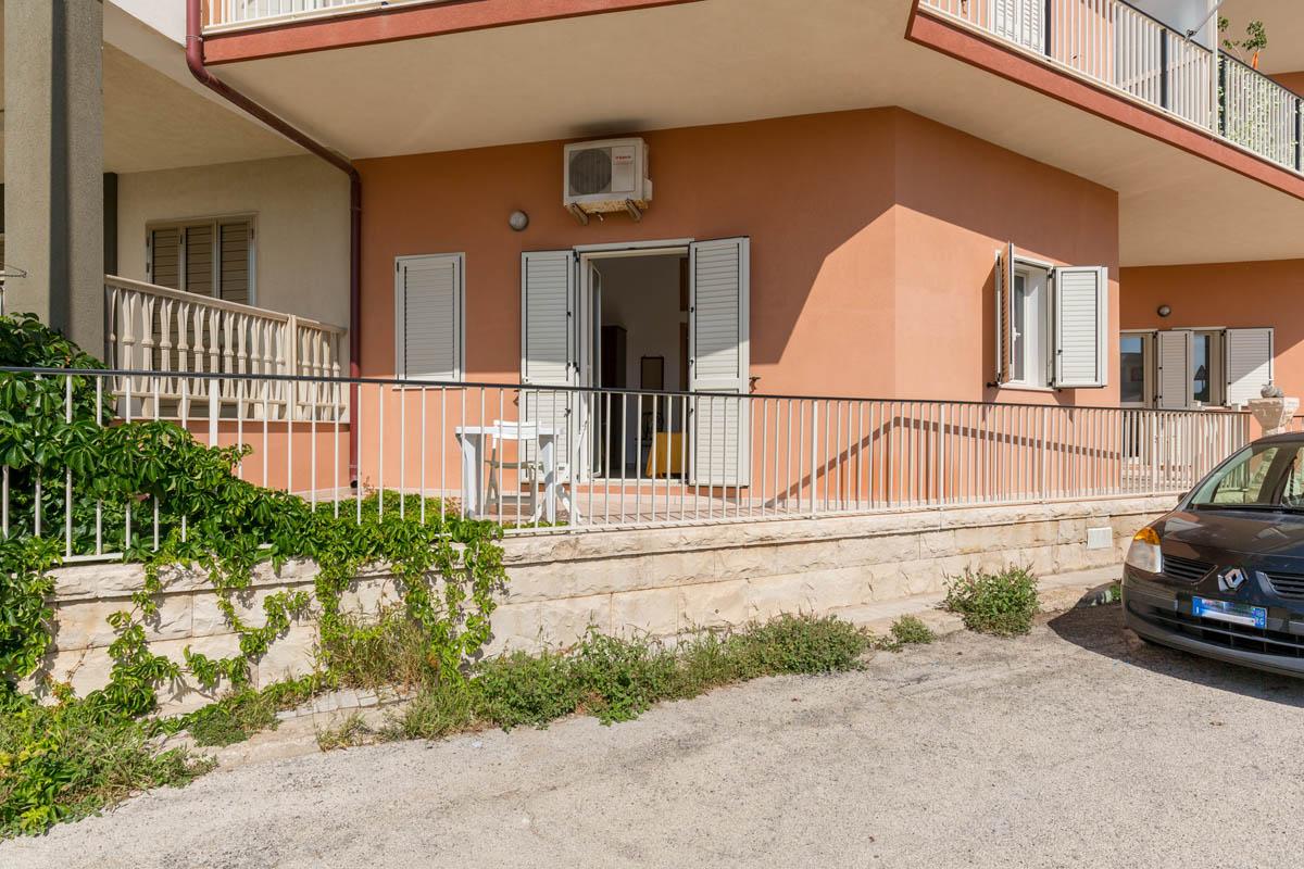 appartamento con balcone casuzze
