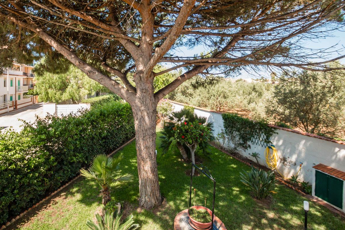 villa a caucana con giardino